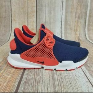 Women's Nike Sock Dart Running Shoes Size 6Y